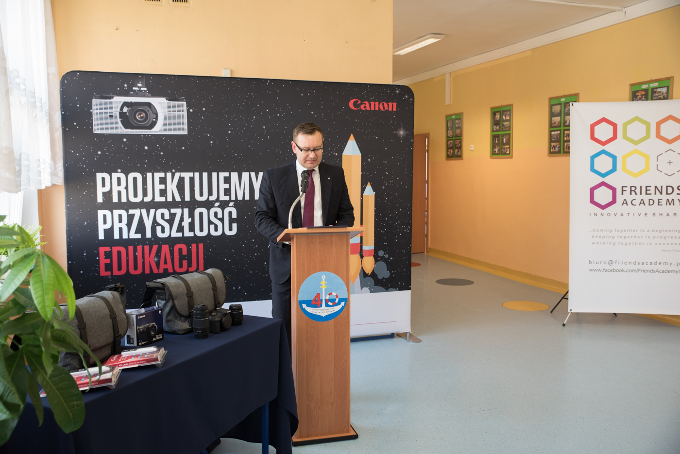 CyfroweAV projektory Canon